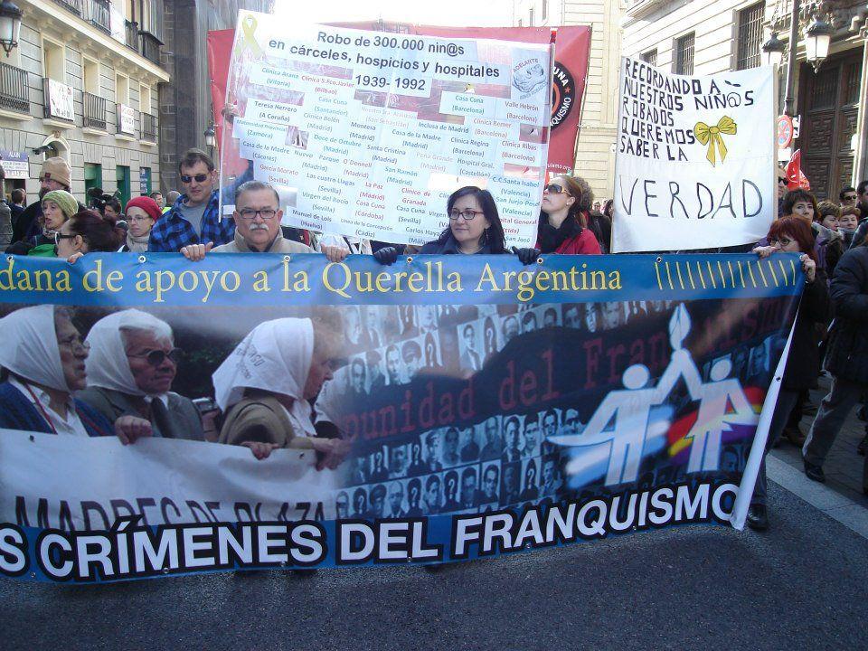 La querella argentina contra los crímenes del franquismo sigue adelante
